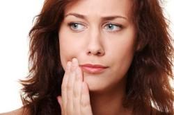 Стоматит - повод для использования спрея