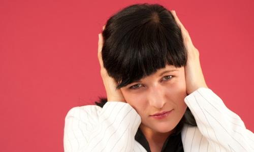Наличие серной пробки в ухе