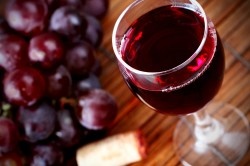 Польза вина при влажном кашле