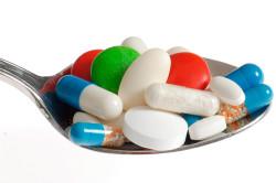 Прием медикаментов при лечении ларингита