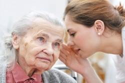 Пожилой возраст, как причина шума в ухе
