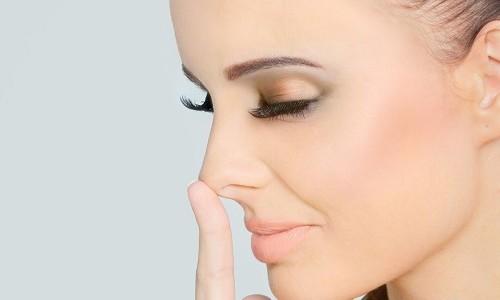 Проблема сухости в носу у человека