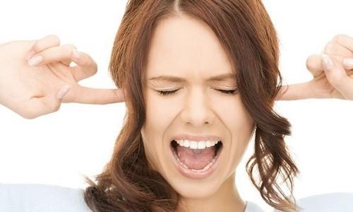 Боль в ушах при рините