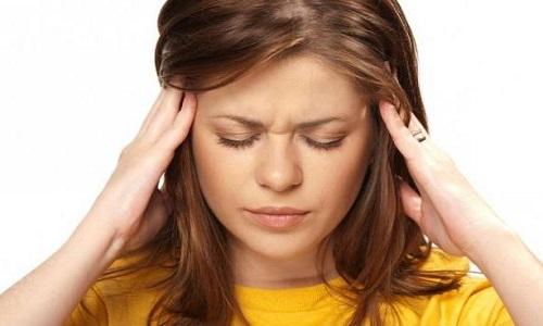 Закладывает уши и кружится голова: причины